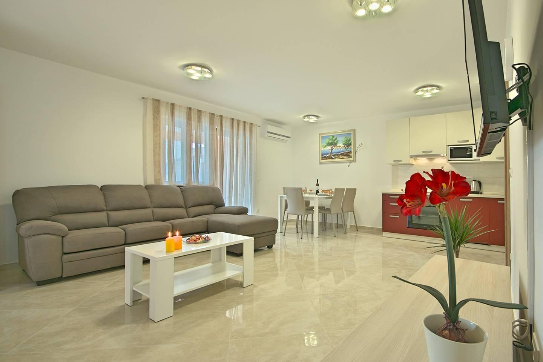 https://www.istria-home.com/bundles/web/images/photos/322/322_10_10.jpg