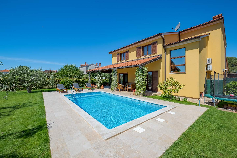 Villy/Dovolenkové domy, Valbandon, Pula a juh Istrie - House Leticia
