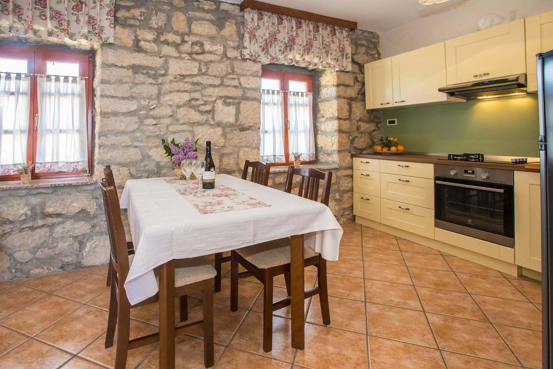 http://www.istria-home.com/bundles/web/images/photos/86/86_2_2.jpg