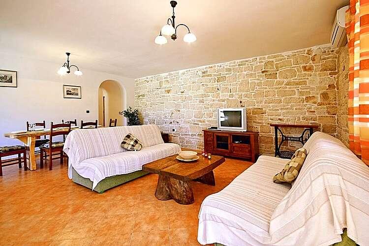 Living Room — Villa David — Jakovici, Tinjan (Holiday home) (2/34)