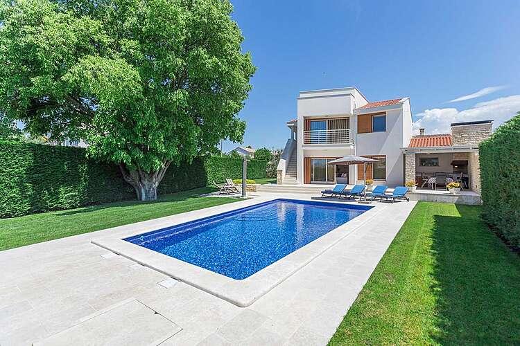 Swimming Pool — Villa Jasna — Vabriga, Tar-Vabriga (Villa with pool) (1/44)