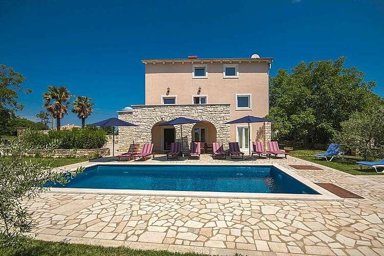 Swimming Pool — Villa Borgonja — Močibobi, Karojba, Central Istria (Villa with pool) (1/40)