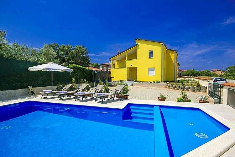 Swimming Pool — Kalas — Kaštel, Buje, Umag-Novigrad (Apartment) (1/28)