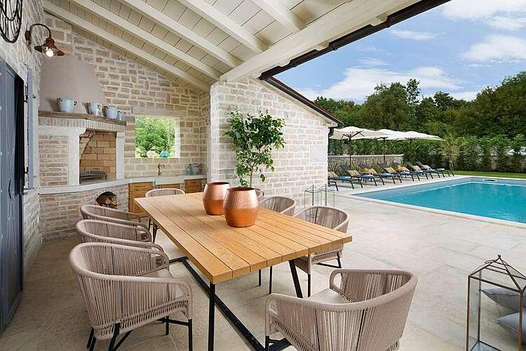 Patio / Balcony — Villa Zoe — Ladići, Kanfanar (Villa with pool) (3/27)
