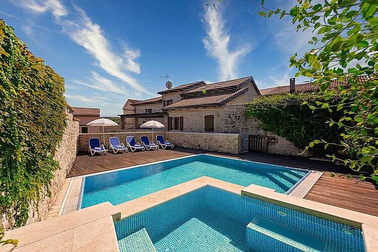 Swimming Pool — Villa Magnolia — Vižinada, Vižinada (Villa with pool) (1/45)