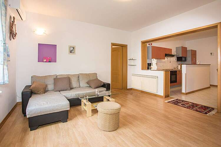 Living Room — Milica — Kukci, Poreč (Apartment) (1/17)
