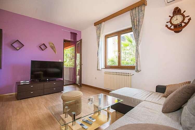 Living Room — Milica — Kukci, Poreč (Apartment) (2/17)