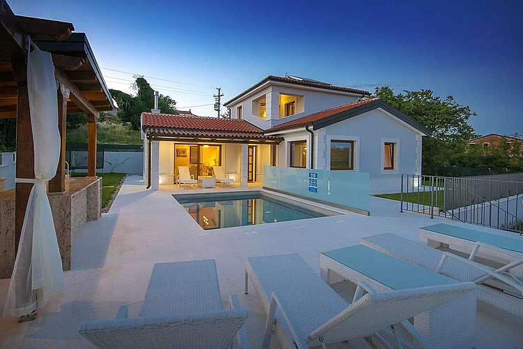 Swimming Pool — Villa Gloria Vita — Nova Vas B, Brtonigla, Umag-Novigrad (Villa with pool) (1/52)