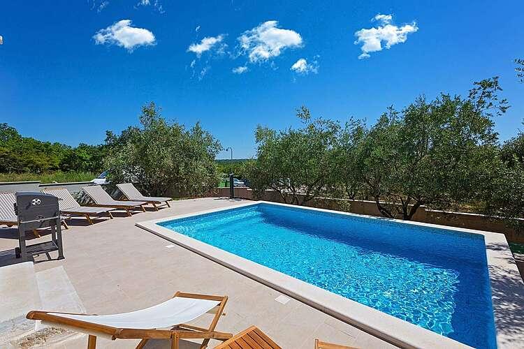 Swimming Pool — Villa Rea — Varvari, Poreč (Villa with pool) (2/41)