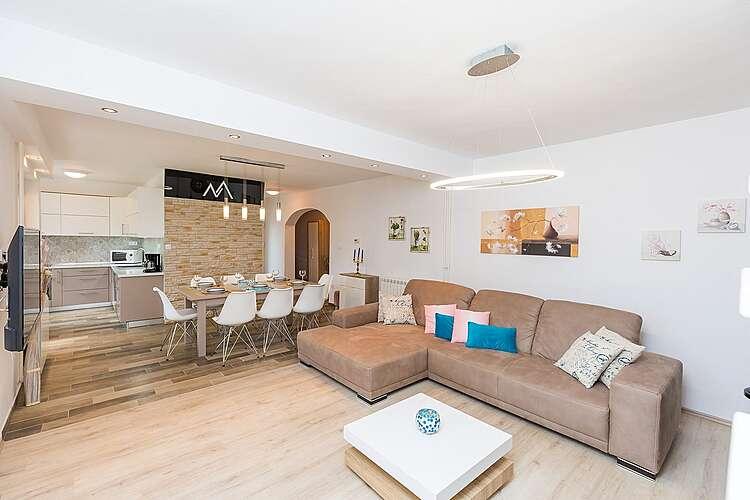 Living Room — Villa Maggiore — Kršan, Kršan, Rabac-Labin (Villa with pool) (3/43)