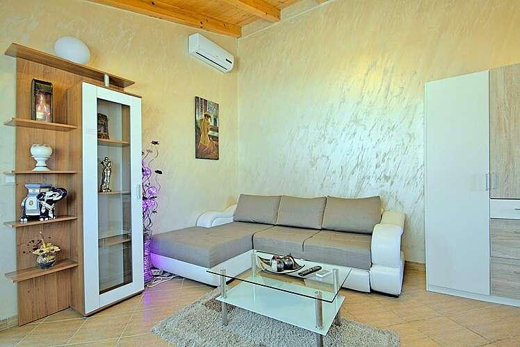 Living Room — Stiven — Varvari, Poreč (Apartment) (2/19)