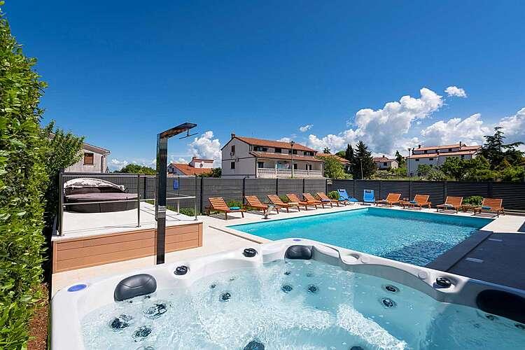 Facilities and Services — Villa Deep Blue — Musalež, Poreč (Villa with pool) (2/44)