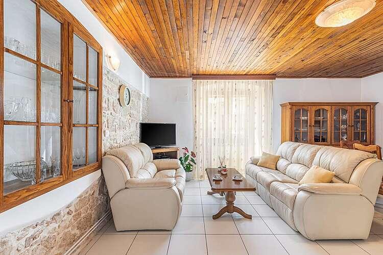 Living Room — Borgonja Višnjan — Višnjan, Višnjan (Apartment) (2/26)
