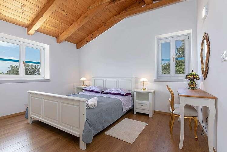 Bedroom — Villa Irena Funtana — Funtana, Funtana, Vrsar-Funtana (Villa with pool) (3/40)