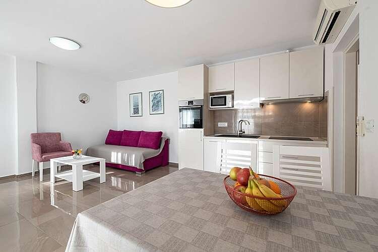 Living Room — App Yasmin — Brseč, Brseč (Apartment) (3/23)