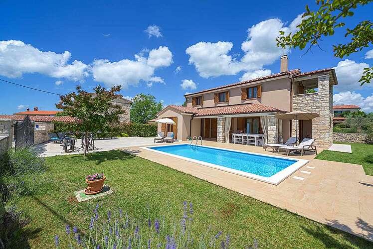 Swimming Pool — Villa Neo — Ribari, Tinjan (Villa with pool) (1/39)