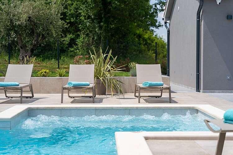 Swimming Pool — Villa Tre Olive — Pavlići, Barban, East Coast of Istria (Villa with pool) (2/48)