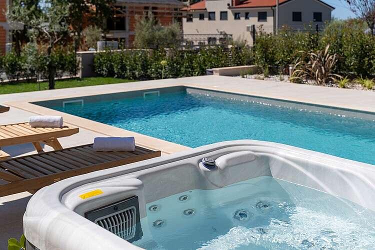 Facilities and Services — Villa Vallis — Kadumi, Poreč (Villa with pool) (3/40)