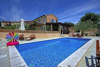 Villa Olga — Dračevac, Poreč (Holiday home) - Swimming Pool