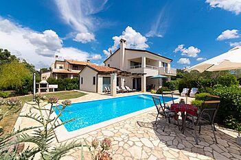 Villa Nira — Barat, Višnjan (Villa with pool) - Swimming Pool