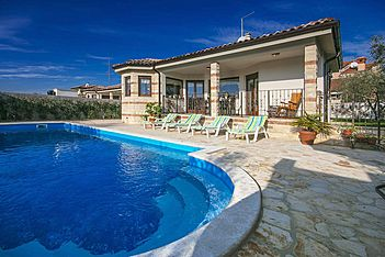 Villa Adry — Kaštel, Buje, Umag-Novigrad (Villa with pool) - Swimming Pool