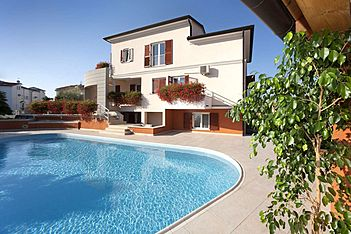 App Irena 4 — Mali Maj, Poreč (Apartment) - Swimming Pool