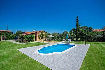 Casa Luka Vareški — Veliki Vareški, Marčana, East Coast of Istria (Holiday home) - Swimming Pool