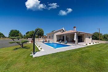 Villa Martina — Belavići, Barban, Ostküste Istriens (Villa mit Pool) - Außenseite
