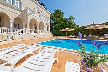 Perla di Mare 5 — Bašanija, Umag, Umag-Novigrad (Apartment) - Swimming Pool