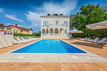 Perla di Mare 6 — Bašanija, Umag, Umag-Novigrad (Apartment) - Swimming Pool