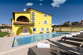 App Nikolina — Musalež, Poreč (Apartment) - Swimming Pool